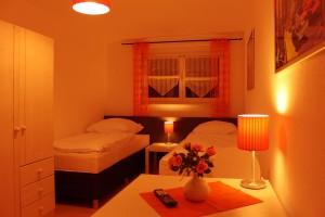 Zimmer 6 (Obergeschoss)