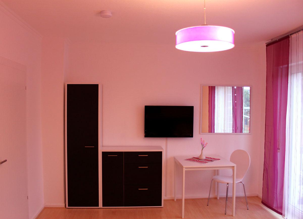 Zimmer design  Zimmer Design – Violett » Ferienwohnung Fulda – Luxuriös, stadtnah ...