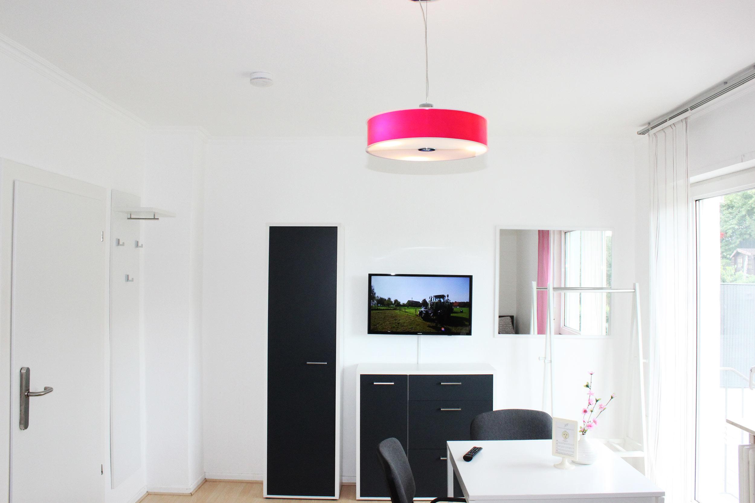 ferienwohnung design ferienwohnung fulda luxuri s stadtnah und ruhig auf. Black Bedroom Furniture Sets. Home Design Ideas